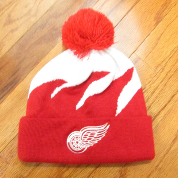 4a3078713 Detroit Red Wings Knit Beanie with Pom